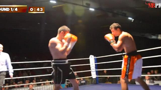 Premier combat professionnel (1/12/2012)